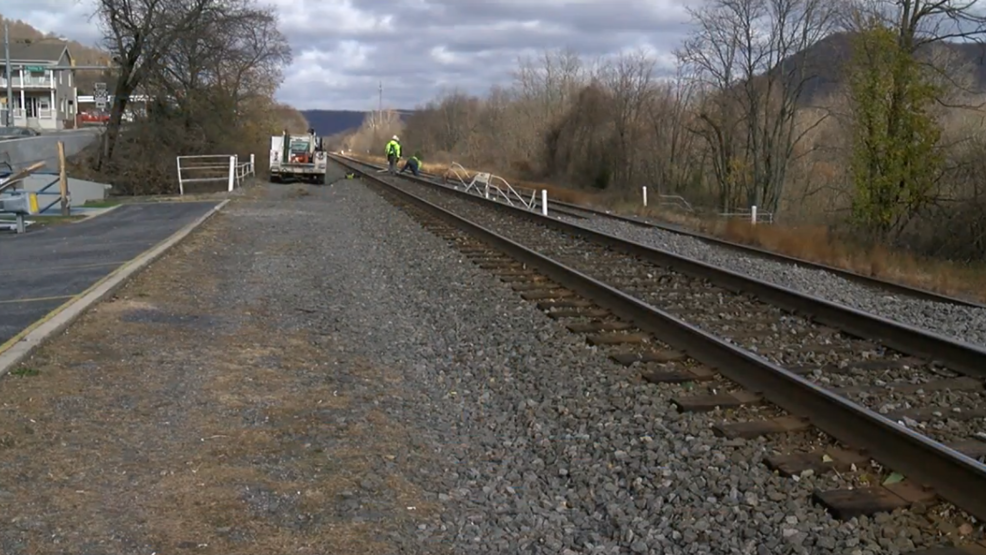 Woman hit by train after she walks onto railroad tracks | WHP